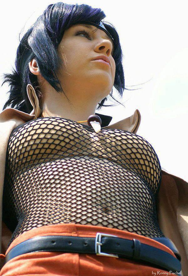 cosplaynya cukup vulgar nih ya... >.< WoW gak sahabat pulsker???