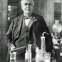 Lima Penemuan Misterius Thomas Edison Yang Belum Terungkap Senin, 14 Februari 2011 11:54 Thomas Alva Edison. (Foto: google) Thomas Alva Edison. (Foto: google) WASHINGTON (Berita SuaraMedia) - Bila Anda lihat tema Google Doodle (logo Google)