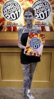 Wanita Tatto terbuaanyak loh!!!!