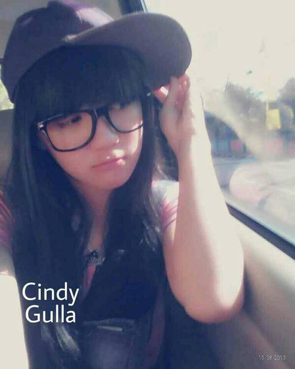 "Nama Lengkap : Cindy Christina Gulla Nama Panggilan : Cindy, Gulla, Cigul, Candy Tanggal Lahir : 29 Mei 1997 ( Umur 15 Tahun ) Horoskop : Gemini Agama : Kristen Pekerjaan : Penyanyi (Member JKT48) Tahun Aktif : 2011 "" Sekarang"