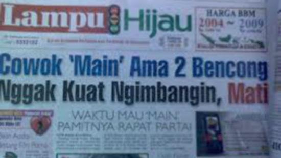 """Wow... Koran Lucu & Unik #part1 """"Cowok Main Ama 2 Bencong Nggak Kuat Ngimbangin, Mati"""" hahahaha..."""