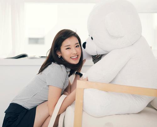 dia sepupu taeyeon-SNSD.. dan namanya adalah hany. seperti wajah taeyeon bukan ? :) #jangan lupa wownya