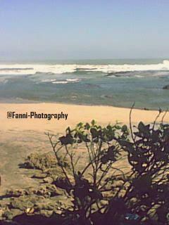 Pantai winajaya sukabumi kemarin aku kesini, udaranya kyak dipegunungan. ombaknya juga lumayan lahh.. buat surfing. di sebelah baratnya juga ada mitos batu pengantin. konon katanya di winajaya tuh, ada pengantin yg mati tgglm