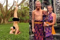 Gila Gan...! Ibu Ini Menyusui Anak Sambil Akrobat Tanpa Busana-ASI (Air susu ibu) eksklusif adalah kebutuhan semua bayi sehingga tidak ada alasan apapun bagi para orang tua untuk tidak memberikannya. Termasuk ibu yang satu ini, yang tetap menyusui bayinya meski sedang akrobat dan tak berbusana. Amy Woodruff, seorang ibu muda di Hawaii menjadi pusat perhatian setelah mempublikasikan foto menyusuinya yang kontroversial. Dalam foto tersebut, ia mempraktikkan yoga dengan posisi kepala di bawah dan kaki lurus ke atas, sementara bayinya, Naia, duduk mengisap payudaranya. Dalam foto yang diambil di kebun itu, Amy juga tidak mengenakan busana sama sekali. Dalam keterangannya, Amy memang tinggal di sebuah lingkungan yang bersifat clothing-optional alias tidak ada kewajiban bagi siapapun untuk mengenakan pakaian. Meski banyak yang menentang, Amy mengaku tidak menyesali foto yang pertama kali dia publikasikan tahun 2011 itu. Ia mengatakan, Baca berita selanjutnya di http://posterkini.blogspot.com/2013/08/gila-gan-ibu-ini-menyusui-anak-sambil.html