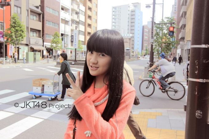 Cindy gulla jkt48 di jepang.. aduh si gula manis banget ya :3