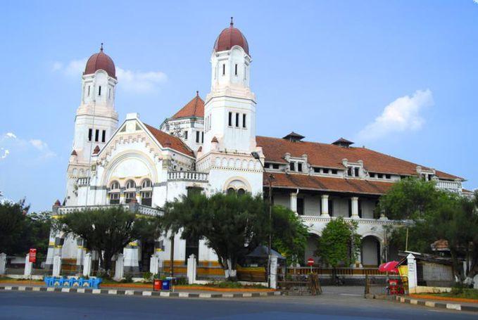 Loka Wisata Lawang Sewu Semarang... http://kotawisataindonesia.com/loka-wisata-lawang-sewu-semarang/