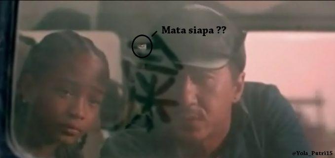 Coba Lihat ... !!! Ada mata dibelakang Jackie Chan di Film Karate Kid