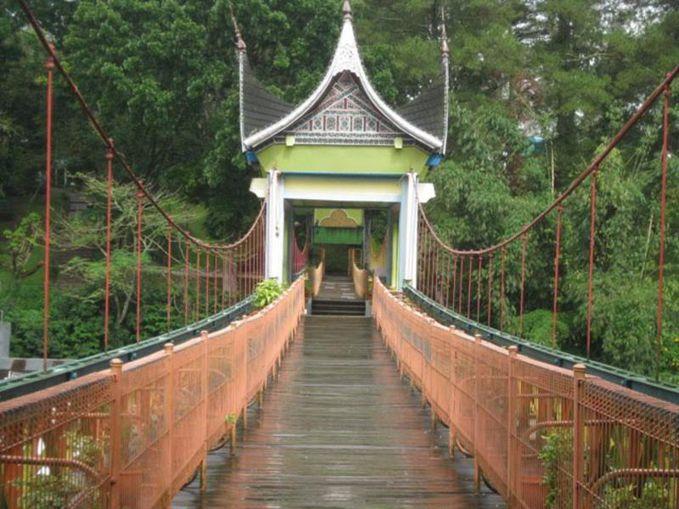 Benteng Fort de Kock Bukittinggi... http://kotawisataindonesia.com/benteng-fort-de-kock-bukittinggi/