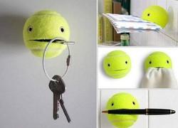Bola tennis bekas jangan dibuang dulu, banyak manfaatnya loh :D