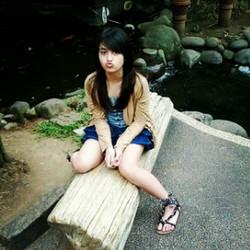 """profile Lengkap dan Biodata Nabilah JKT48 ~ Nama lahir: Nabilah Ratna Ayu Azalia ~ Nick : Ayu-Chin, Nabilah~ D.O.B. : November 11, 1999~ Tempat Lahir: Jakarta ~ Tinggi: 152 cm~ Horoskop: Scorpio ~ Golongan Darah: B ~ Jikoushokai [Salam Pengantar]: """"!! Haii Nama saya Nabilah ~ ~ aku si Cerewet.. Lets Have Fun Togethet!"""" ~ About Her:E-nergetic T-alkative B-aby. I bring smile to others ^^ coz as JKT48 members i bring happiness to everybody Nabilah JKT48 paling energik dari semua member yang lain. Berikut adalah Fakta dari si cerewet.Tentang Nabilah JKT48 Fakta ~ Agama: Islam ~ Favorit Warna: Merah, Pink, Brown ~ Kartun Favorit: Doraemon, Fairy Tail~ Olahraga favorit: basket, renang ~ Favorit Subyek: Ilmu, Seni, Agama, Bahasa Inggris ~ Makanan Favorit: Makanan panas dan asam, Sushi, Tempura ~ Favorit Gambar: Hari Lady ~ Indonesian Idol: Agnes Monica ~ American Idol: Elvis Presley ~ Music Genre: Rock, Metal, Pop, RnB ~ Dance: Hip Hop, Break Dance ~ Hobby dan Likes: Singing, Dancing, Bertindak, Travelling ~ Nama lengkap nya berarti bahwa perempuan yang cerdas, seperti permata dan indah seperti bunga ~ """"Aku ingin hanya satu, jangan pernah berpikir negatif tentang saya, berpikir positif tentang saya"""" ~ Pelajaran: Ilmu, Seni, Agama, Bahasa Inggris ~ Makanan Favorit: Makanan panas dan asam, Sushi, Tempura ~ Gambar Favorite: Lady Day ~ Indonesian Idol: Agnes Monica ~ American Idol: Elvis Presley ~ Music Genre: Rock, Metal, Pop, RnB ~ Dance: Hip Hop, Break Dance ~ Hobby dan Likes: Singing, Dancing, Bertindak, Travelling ~ Nama lengkap nya berarti bahwa perempuan yang cerdas, seperti permata dan indah seperti bunga ~ Band Kesukaan ; Bring Me The Horizon,The Script ~ """"Aku ingin hanya satu, jangan pernah berpikir negatif tentang saya, berpikir positif tentang saya"""" ~ Nabilah adalah cadel jgn lupa wou yah,,"""