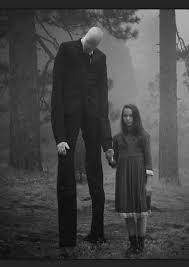 slenderman adalah hantu yang paling ditakuti di EROPA yang tidak memiliki Muka dan bertubuh tinggi , konon banyak anak yang hilang dan ditemukan tewas di hutan , dan banyak saksi yang melihat slenderman di Hutan yang lebat hantu Yg seram