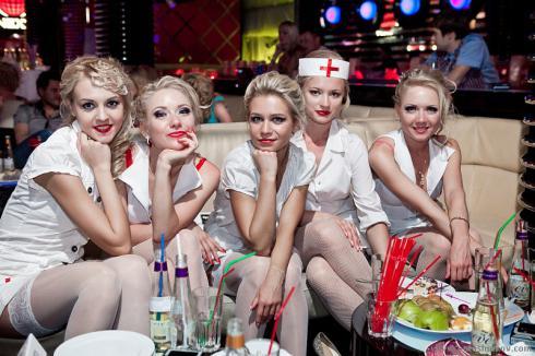 Pantesan Pria di Rusia Doyan Donor Darah,Ternyata ada makhluk ini gan Jika diIndonesia praktisi Palang Merah terkesan biasa-biasa saja, tidak demikian halnya dengan team Palang Merah negara Rusia, cantik-cantik pastinya, Anda tidak percaya?