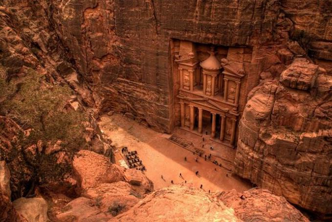 The Lost City of Petra, Jordan. Tempat syuting film Transformer 2