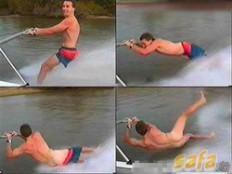WOW!!! Ketika lagi asik asiknya surfing di laut, ketika terjatuh, eeh celana malah melorot. kalau liat kejadiannya, mungkin kita akan tertawa terbahak bahak. jangan lupa klik wow nya ya...