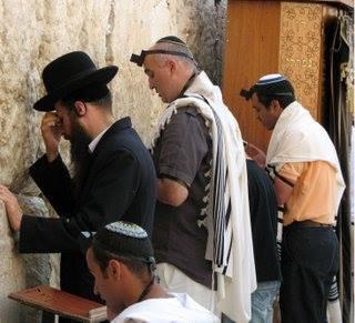 Panas! 10 Perkara Orang Yahudi Sembunyikan Dari Umum Tahukah anda sebenarnya banyak benda yang yahudi sembunyikan pada pengetahuan umum. Jom Kita nak dedahkan 10 daripadanya! lebih lengkapnya disini sobb.. :) http://mymediasiber.blogspot.com/