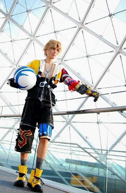 "Tidus (Final Fantasy X) Cosplay by KANON KANON Profile : http://cosplaymaniax.com/cosplay/""-kanon/ More photos Visit here : http://cosplaymaniax.com/"