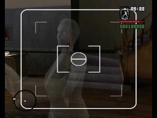 1.. CJs Mom Ghost ini hantu ibunya CJ yang ada di rumah CJ.. kalo mau liat mesti ke rumah CJ dan liat sendiri dia muncul di depan TV.