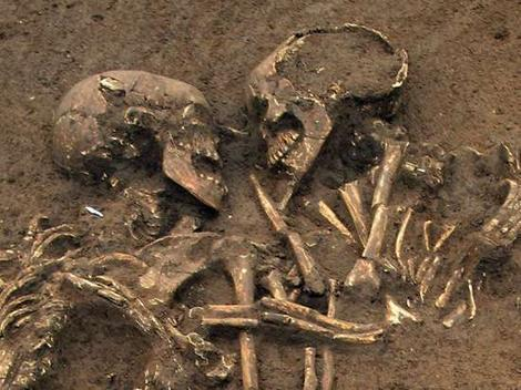 "Arkeolog telah menemukan kerangka ""Romeo and Juliet"" NO HOAX, cekidot sumbernya gan note : artikel asli dalam bahasa inggris :D WOW gan"