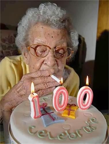 Nenek ini ingin cepat mengakhiri hidupnya pada umur 100 tahun dengan merokok di hari ulang tahunnya °Î?° satu WOW dari anda sangat berharga bagi saya ^_^ Twitter: @BrothersDhimas @Quest_Indonesia Facebook: Question Indonesia