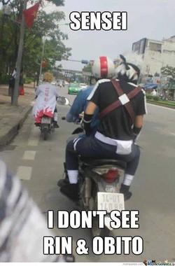 hahaha....kakashi naik motor