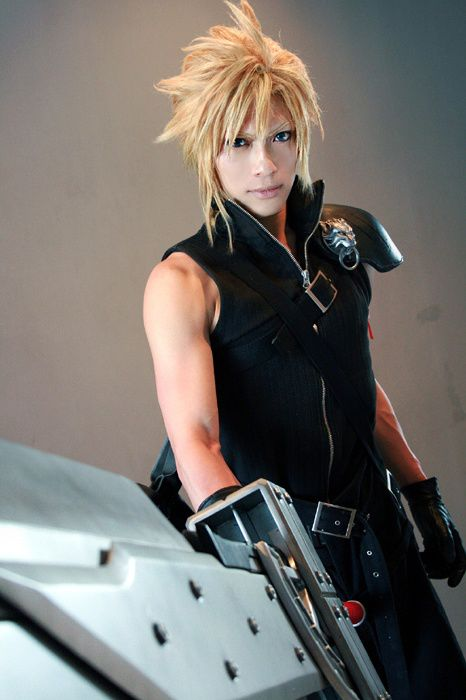 Cloud Strife (Final Fantasy VII) Cosplay by Kaname Kaname Profile : http://cosplaymaniax.com/cosplay/kaname/ More Photos Visit us : https://www.facebook.com/cosplaymaniax Blog : http://cosplaymaniax.blogspot.com