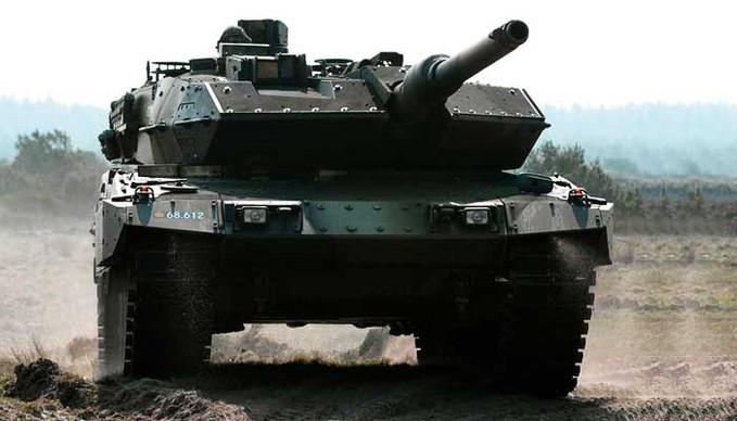 Satu Peluru Leopard TNI AD Mampu Menghancurkan Senayan yang bangga indonesia punya ginian bagi WOW nya ya http://www.inibangsaku.com/satu-peluru-leopard-tni-ad-mampu-menghancurkan-senayan/
