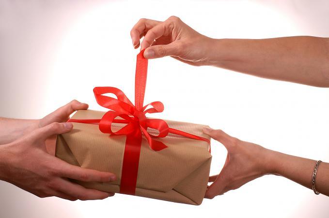 Мужчина любит но не дарит подарков 22