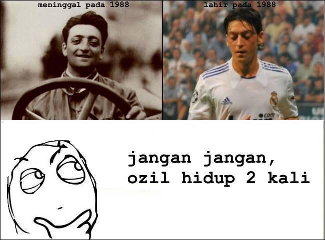 Yang Kiri Enzo ferrari (pendiri ferrari) Yang kanan Mesut Ozil ( Pesepakbola)