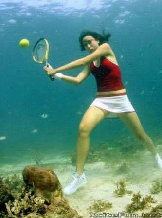 Pernah nyobain main Tenis dalam air gak ? sssstttttt, jangan keras, nanti ada gayus lagi nonton tenis air gan