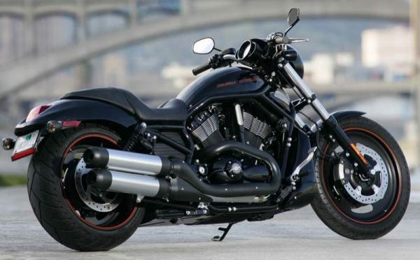 Inilah 4 Motor Harley Davidson Termahal Di Dunia. Cekidot ke sini : http://www.vivaoto.com/auto-news/berita-motor/4826-inilah-4-motor-harley-davidson-termahal-di-dunia.html