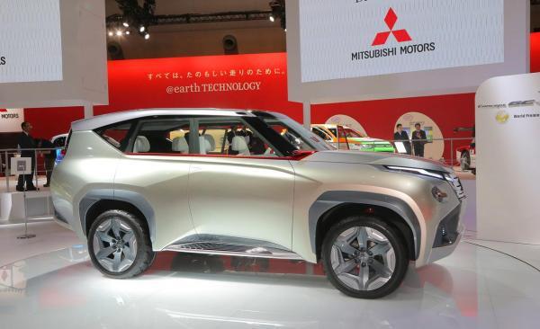 Mitsubishi Concept GC PHEV Di TMS 2013 : http://www.vivaoto.com/auto-news/berita-mobil/4832.html
