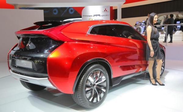 Gallery Mitsubishi Car Concept Di TMS 2013 - Mitsubishi Concept XR PHEV : http://www.vivaoto.com/auto-news/berita-mobil/4831-gallery-mitsubishi-car-concept-di-tms-2013-mitsubishi-concept-xr-phev.html