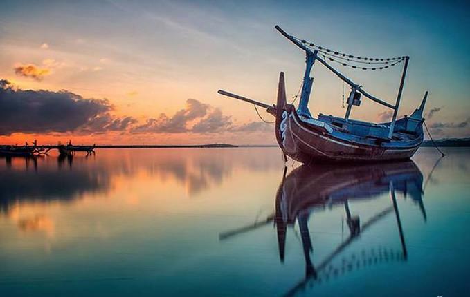 """""""Me and My Self"""" by Setyawan B. Prasodjo. Taken at Tuban, Badung, Bali."""