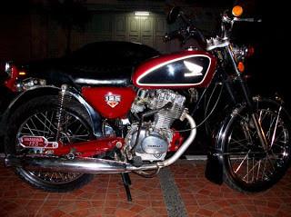 motor lawas antik cb 100 thn 1973 ....ajibbbb yang suka klik wow yehhhhh......