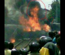 Percaya ga percaya allahualam aja..penampakan iblis wanita saat tragedi bintaro tadi siang !!