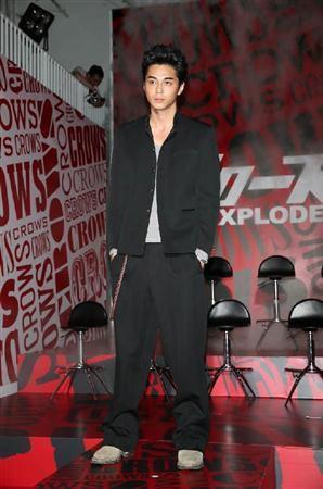 Masahiro Higashide as Kaburagi crows zero III