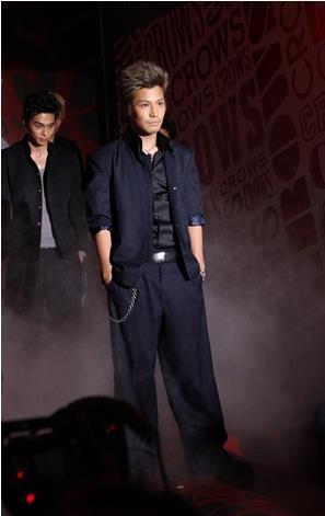 Takanori Iwata (Sandaime J Soul Brothers) as Hiroki Shibata crows zero III