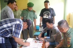 Prajurit TNI Tangkap Pengguna Sabu di Medan Sunggal