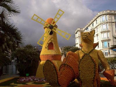 SESUATU YANG WOOW NICH,.,. kebayang gag siihh abis berapa kilo jeruk,.,.,. WOOWW Orange Sculptures Part 5.,, KLIK WOOW nya yaa,.,. :-)