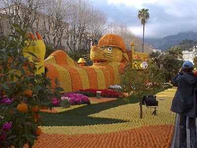 SESUATU YANG WOOW NICH,.,. kebayang gag siihh abis berapa kilo jeruk,.,.,. WOOWW Orange Sculptures Part 8.,, KLIK WOOW nya yaa,.,. :-)