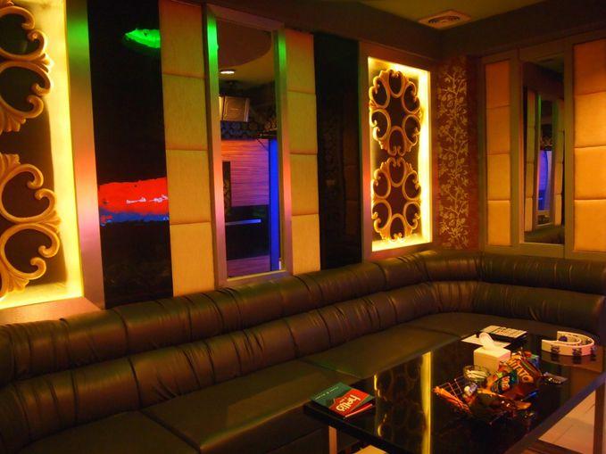 Tempat karaoke Mewah Hello Ftkv Jogja. Keren kan