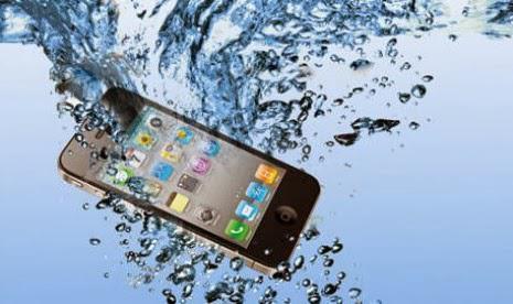 Tips Mengatasi Gadget Yang Tercebur Air http://gallianmachi.blogspot.com/2014/01/tips-mengatasi-gadget-yang-tercebur-air.html#.UtJEGtIW3CZ