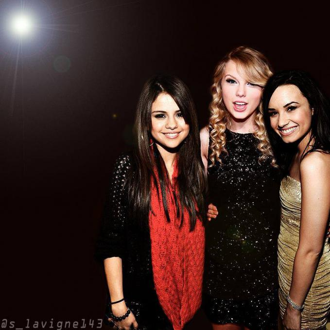 Taylor Swift, Demi Lovato, & Selena Gomez