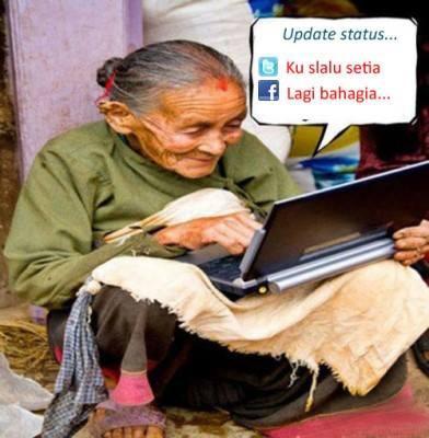 kemajuan tekhnologi telah membut nenek menjadi gila dengan dunia maya