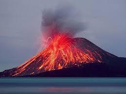 Saat Gunung Toba meletus, jutaan ton asam sulfat dilepaskan ke stratosfer sehingga menciptakan kegelapan total selama enam tahun.