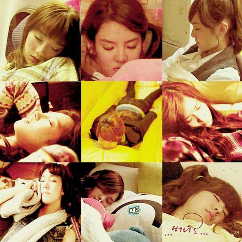 Ekspresi wajah SNSD/ Girls Generation lagi pada tidur.. WOW nya donk SONE,,
