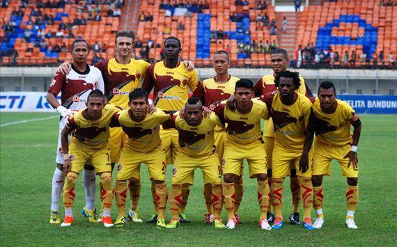 Gresik United Curi Satu Poin Di Kandang Sriwijaya FC SFC kembali gagal menuai poin penuh di kandang mereka, setelah hanya bermain imbang tanpa gol dengan GU.