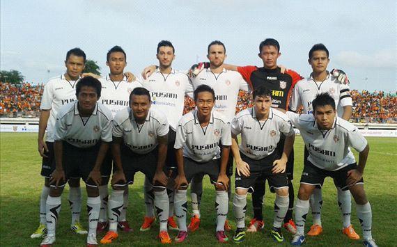 Pertandingan Putra Samarinda dan Persipura Jayapura berakhir imbang dengan skor 2-2 dalam laga lanjutan Indonesia Super League (ISL) 2014.