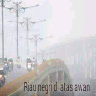 Negeri diatas Awan Cuma ada diIndonesia yaitu di Riau.. Klik Wownya donk ... dan Penjelasannya silahkan ke http://goo.gl/9xK3DN atau klik link sumbernya.