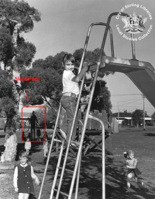 wow ada yang pernah lihat hantu Slenderman.. cek gambar menarik alinnya disini guys : http://gallianmachi.blogspot.com/